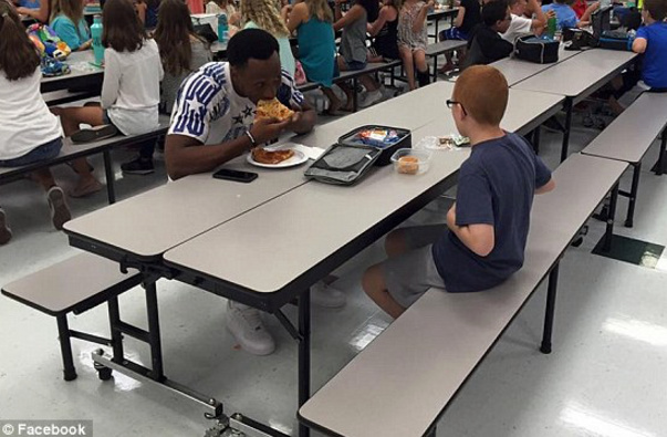Florida State University Player Sits With Autistic Sixth Grader For Lunch