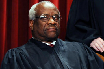 Sarah Palin Blasts Smithsonian For Clarence Thomas Snub