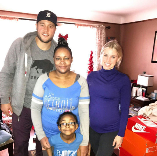 "Detroit Lions Quarterback ""Adopts"" Family Of Slain Officer For The Holidays"