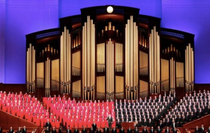 Mormon Tabernacle Choir Singer Resigns Rather Than Sing For Trump