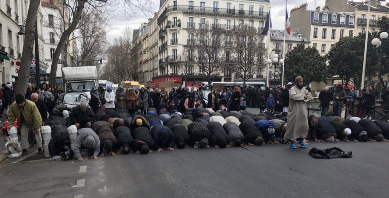 ''Allahu Akbar!'' Defiant Muslims Block Traffic, Pray In Street After Unauthorized Paris Mosque Is Closed & Members Removed