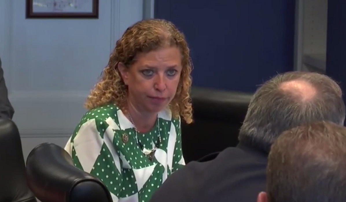 Obstruction! Wasserman Schultz Threatens Police Chief With 'Consequences' For Gathering Evidence Against Pakistani IT Staffers