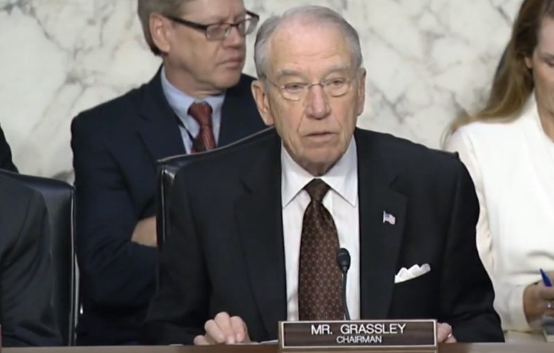 Senator Chuck Grassley Calls on FBI Informant to Testify About Clinton-Uranium One Scandal As Investigation Heats Up