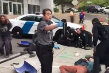 Federal Agents Take Down Radicals With Pepper Balls When They Get Violent (Video)