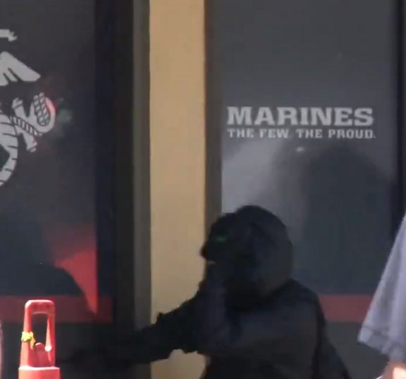 Antifa Terrorists Smash Windows of US Marine Corps Recruiting Office... 20 Arrested (Video)