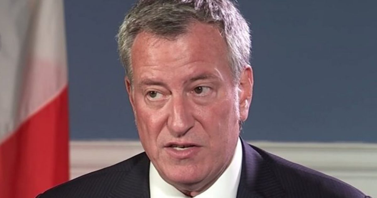 New York City Mayor De Blasio Singles Out 'Jewish Community' In Threatening Arrests Over Social Distancing